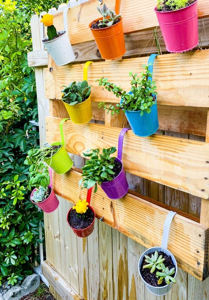 DIY Easy Colorful Pallet Garden For Your Fence