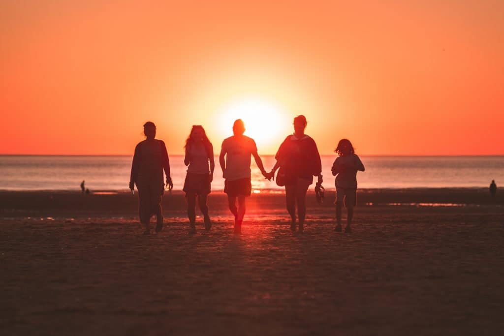 Why-You-Should-Move-To-The-Beach-And-Never-Look-Back-Family-Friends