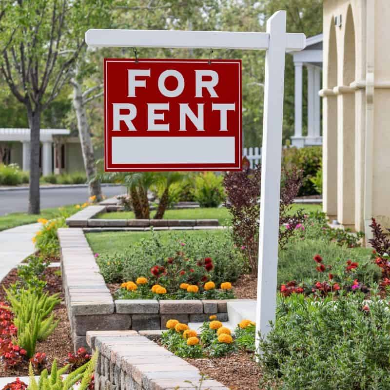 How to start a rental property Best Method For Your First Rental Property - Invest in Real Estate With The Easiest Method EVER - The easy and simple way to become a landlord and start investing in real estate NOW