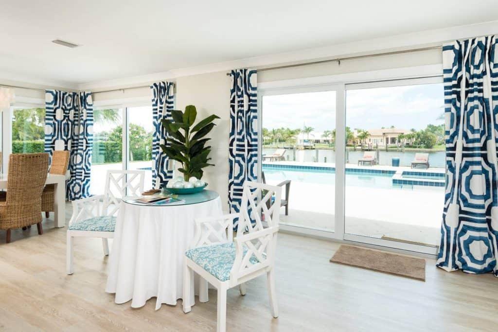Modern Coastal Design Ideas - Beach House White and Blue Eat In Dining