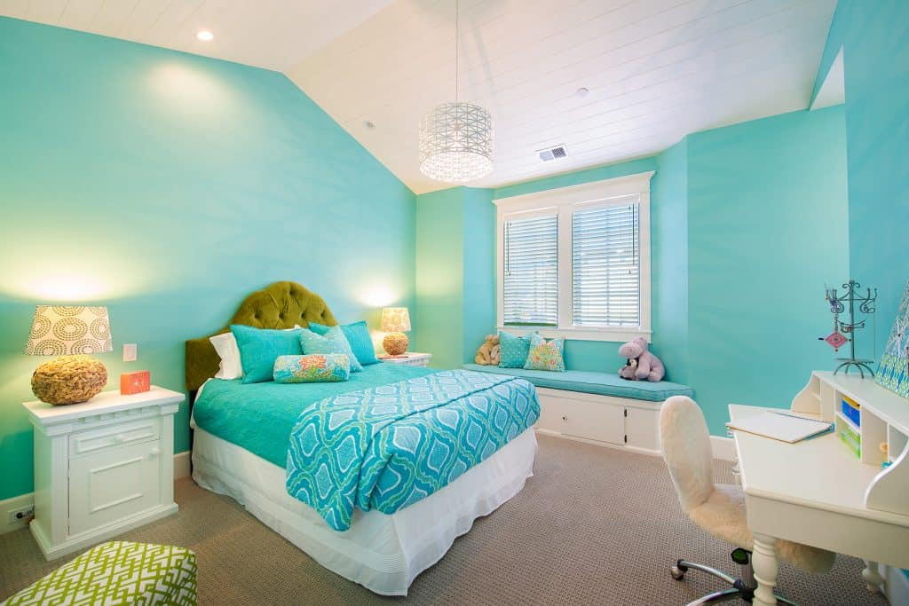 Blue Coastal Dream | Beach House Decor Ideas | Turquoise Teal Bedroom