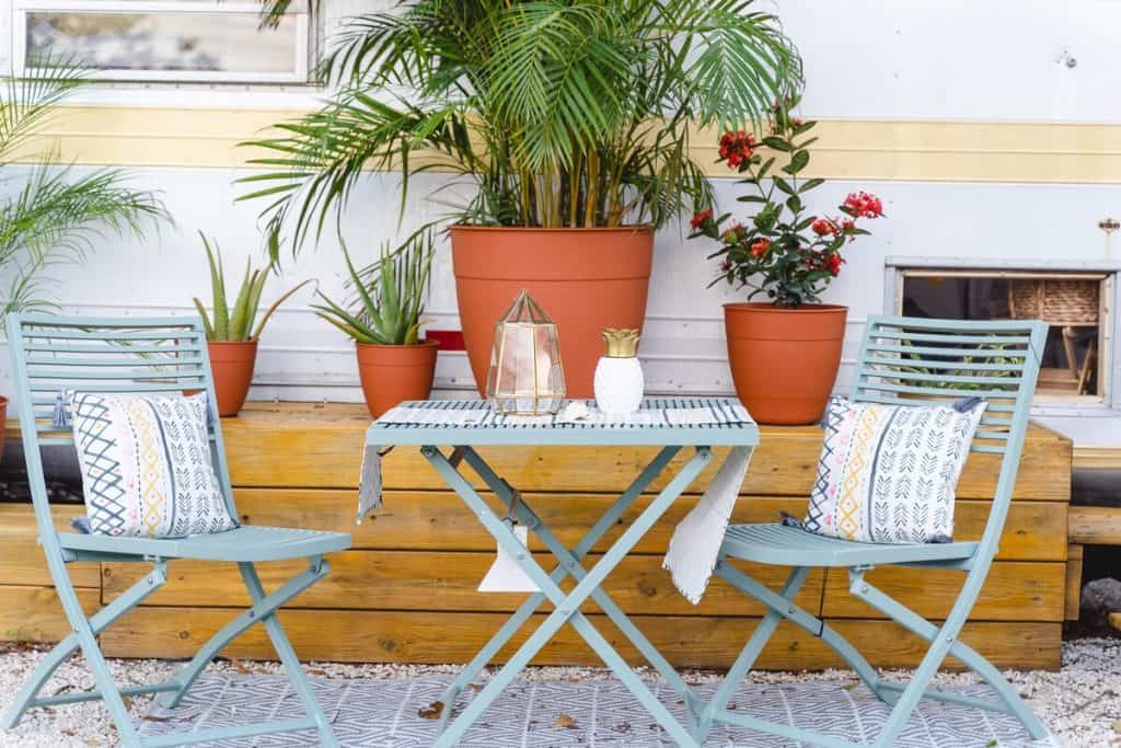 Bohemian Style Interior Design Tiny House - Outdoor Table