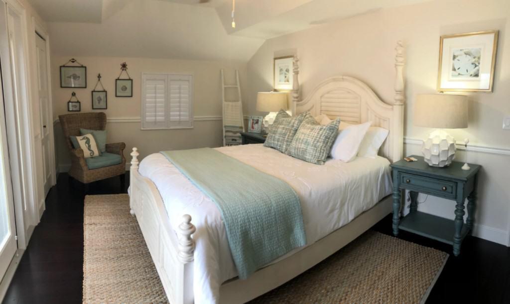 Simple Coastal Master Bedroom Design