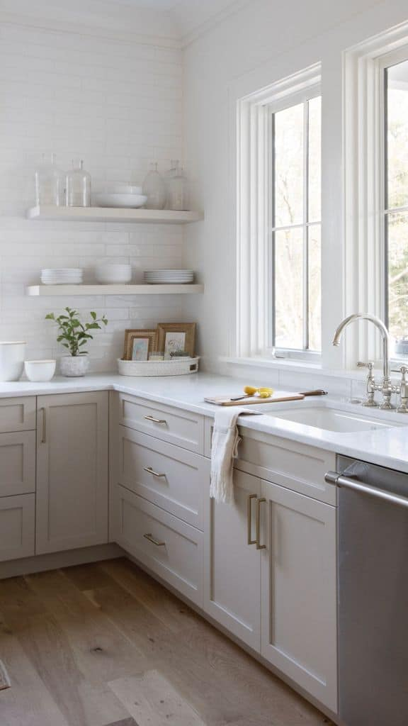 Simple Neutral Kitchen Backsplash