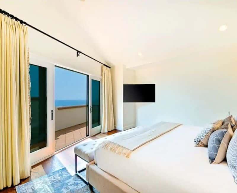 San Diego Oceanfront Villa Bedroom Airbnb View