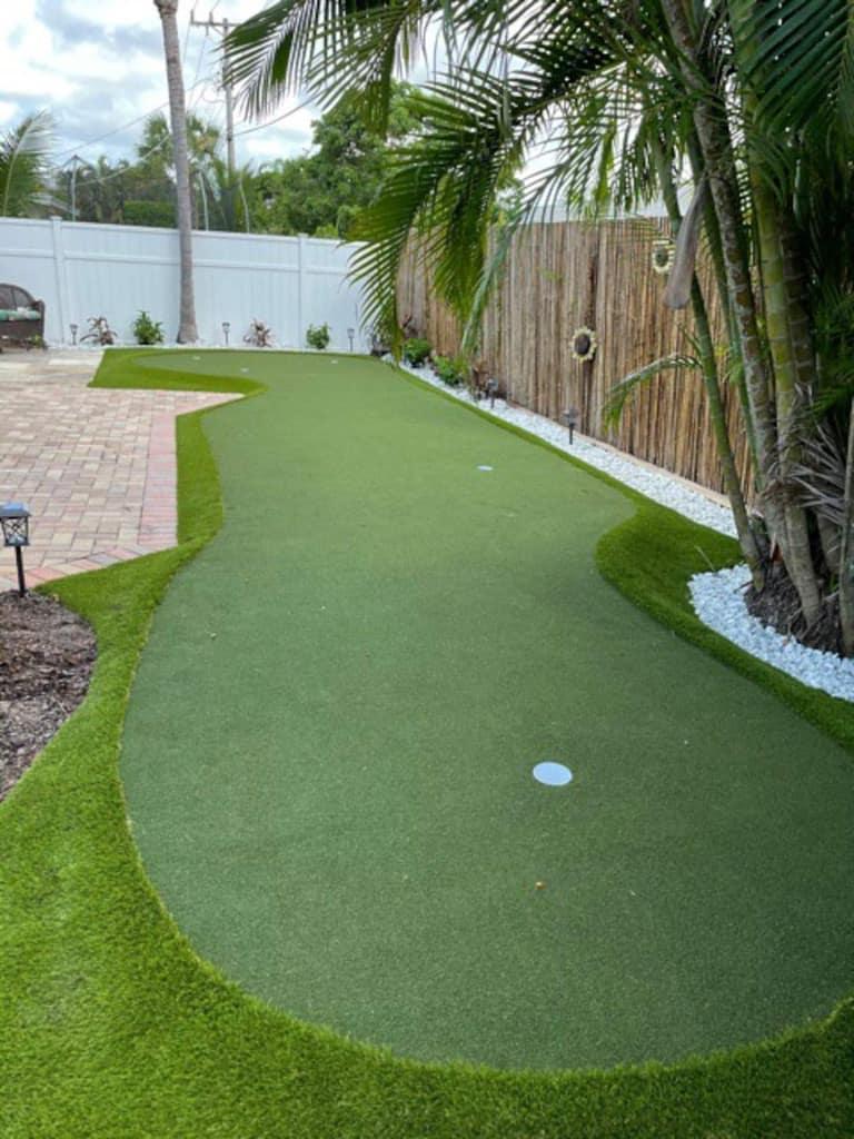 airbnb backyard putting green