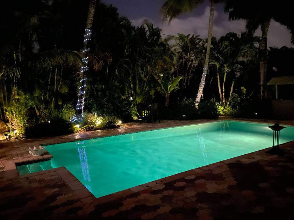 airbnb palm beach pool house
