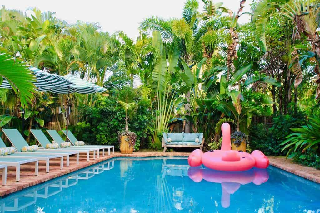 citrus cottage tropical pool area