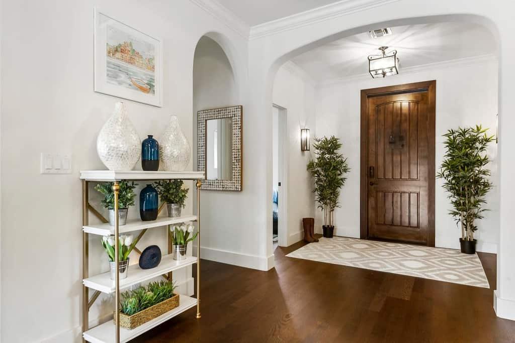 palm beach luxury entryway