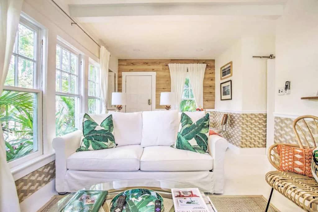tropical living room palm beach charm