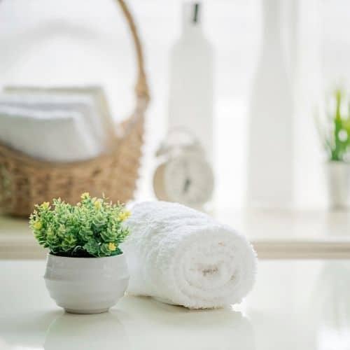 Airbnb Bathroom Essentials List